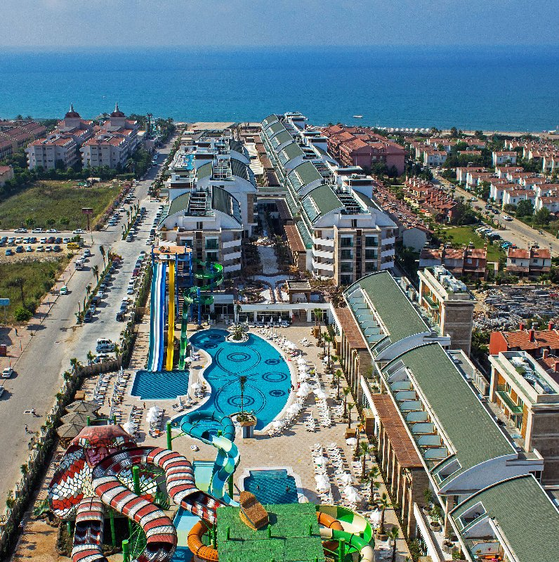 Hotel Crystal Waterworld Resort Spa