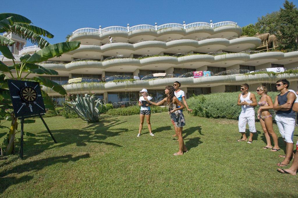 Hotel Crystal Sunrise Queen Luxury Resort An D Spa