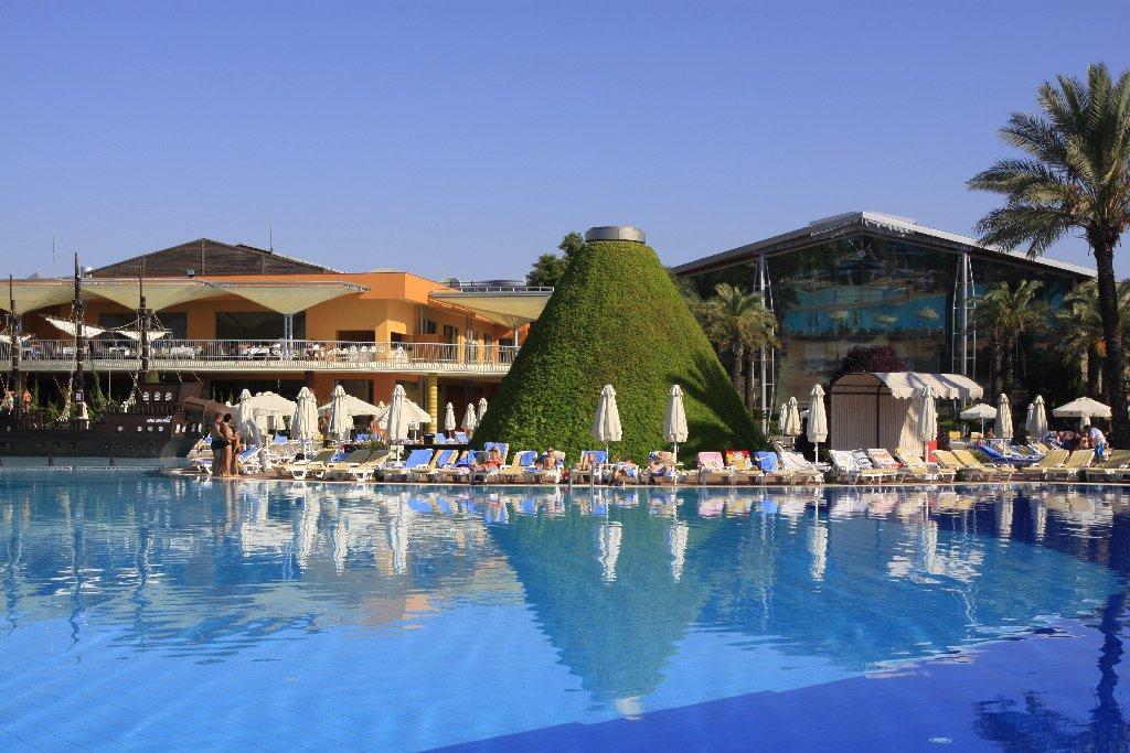 Hotel Pegasos World