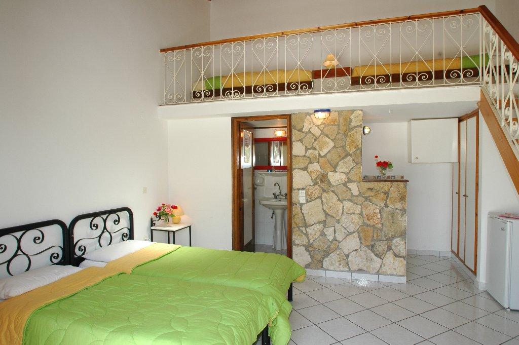 Hotel Mirsini Studios