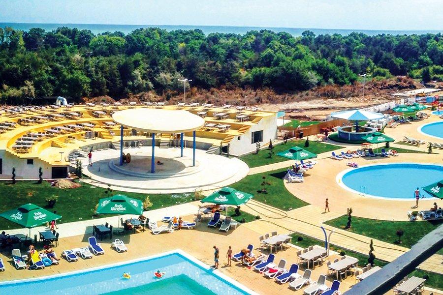 Hotel Blaxy Premium Resort
