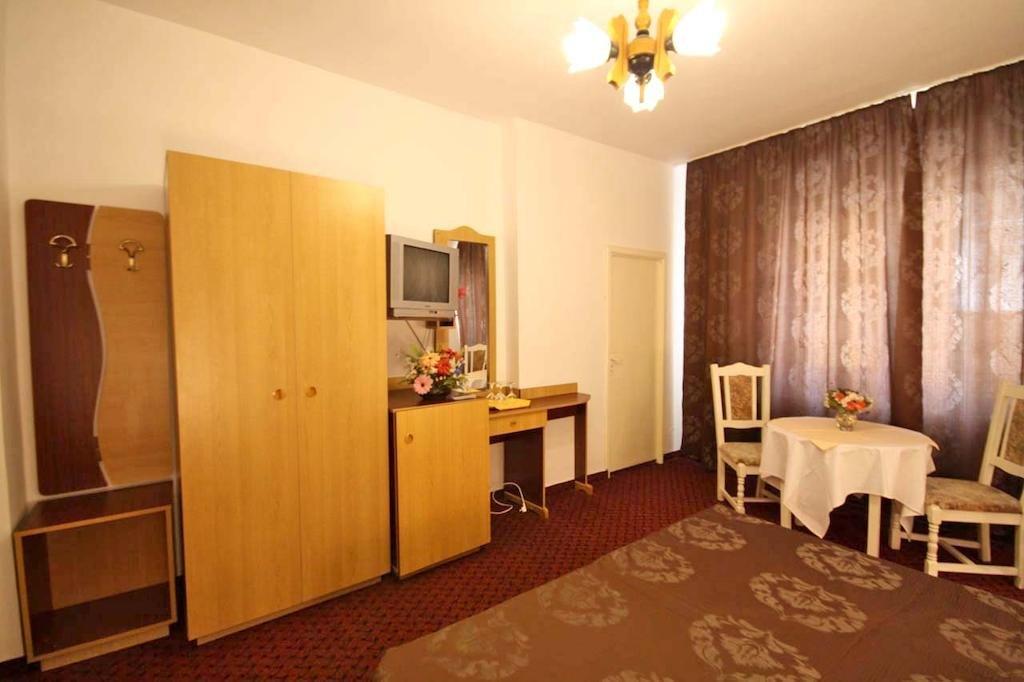 Hotel Hotel Dynes