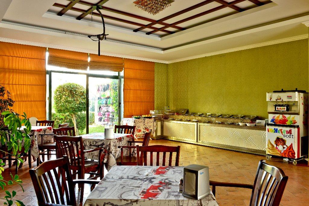 Hotel Green Garden Residence Suites