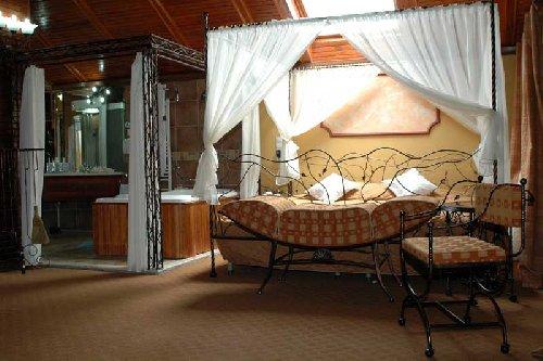 Hotel Comfort Suites Hotel