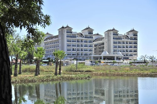 Hotel Lake And River Side Hotel